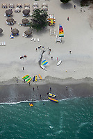 aerial photograph of a beach on the Pacific Ocean in Panama | fotografía aérea de una playa del Océano Pacífico en Panamá