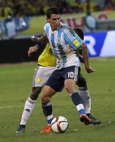 BARRANQUILLA  -COLOMBIA , 17 ,NOVIEMBRE-2015. Angel Di Maria jugador de Argentina en acción contra Colombia    por la fecha 4 de las eliminatorias para el mundial de Rusia 2018 jugado en el estadio Metropolita Roberto Meléndez./ Angel Di Maria of Argentina fights for the ball with Colombia  during   a match between Colombia and Argentina as part of FIFA 2018 World Cup Qualifier fourt date at Metropolitano Roberto Melendez Stadium on November 17, 2015 in Barranquilla, Colombia. Photo: VizzorImage / Felipe Caicedo / Staff