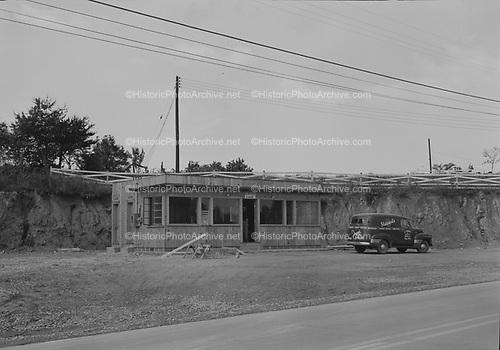 0409-47 Post Office, Cricket, North Carolina, May 1952