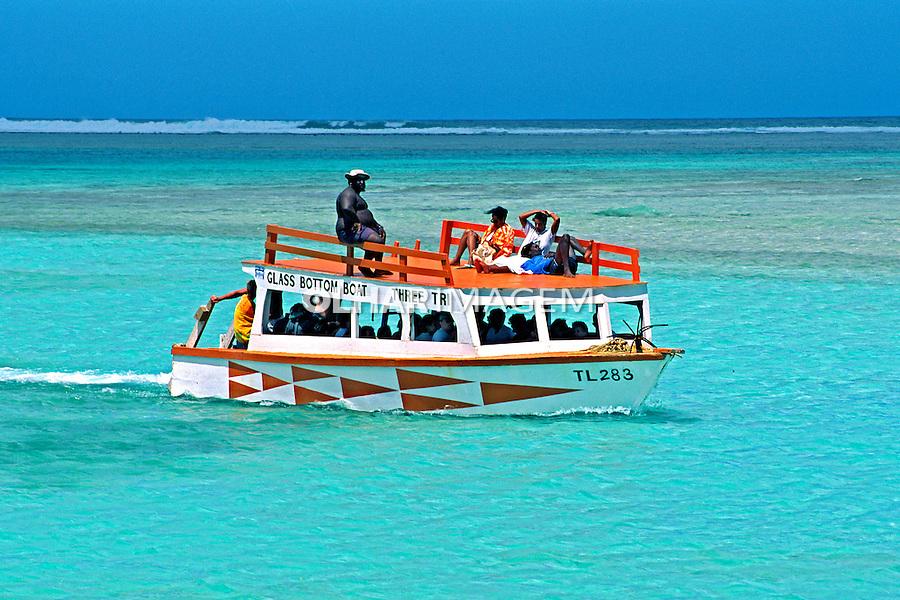 Transporte em barco. Trinidad e Tobago. 2002. Foto de Vinicius Romanini.