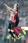 Athletic de Bilbao's Javi Eraso (l) and FC Barcelona's Ivan Rakitic during La Liga match. August 28,2016. (ALTERPHOTOS/Acero)