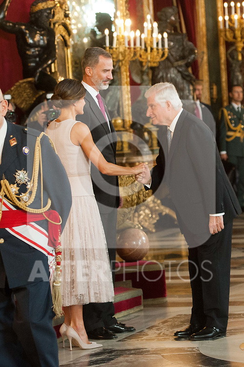 aKing Felipe VI of Spain and Queen Letizia of Spain attends to Sapnish National Day palace reception at the Royal Palace in Madrid, Spain. October 12, 2018. (ALTERPHOTOS/A. Perez Meca)