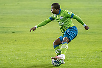 SAN JOSE, CA - OCTOBER 18: Nouhou Tolo #5 of the Seattle Sounders controls the ball during a game between Seattle Sounders FC and San Jose Earthquakes at Earthquakes Stadium on October 18, 2020 in San Jose, California.