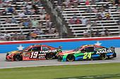 #19: Martin Truex Jr., Joe Gibbs Racing, Toyota Camry Bass Pro Shops, #24: William Byron, Hendrick Motorsports, Chevrolet Camaro Axalta