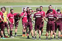 Trainer Niko Kovac gibt Anweisungen für das Training an seine Mannschaft - Eintracht Frankfurt Training, Commerzbank Arena