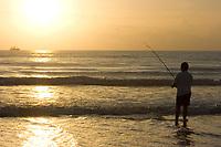 Early morning surf fishing on Daytona Beach, Florida, USA, Atlantic Ocean Atlantic Ocean (do) (no MR)