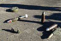 - Eurocorps, European multinational army corps, mines and artillery grenades....- Eurocorps, corpo militare multinazionale europeo,..mine e proiettili di artiglieria..