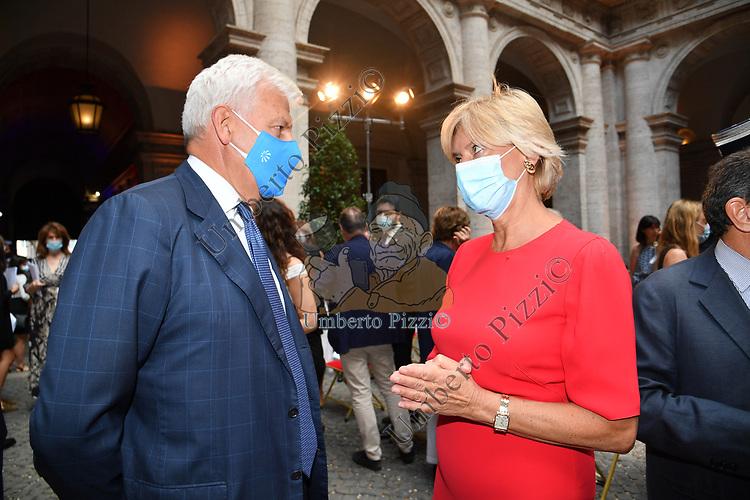 ALESSANDRO PROFUMO E ROBERTA PINOTTI<br /> RICEVIMENTO 14 LUGLIO 2021 AMBASCIATA DI FRANCIA<br /> PALAZZO FARNESE ROMA