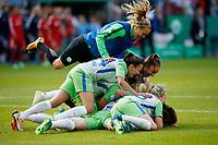 Football, Koeln, Germany , DFB-Pokalfinale wifeen,, <br />VFL Wolfsburg (WOB ) vs. FC Bayern M Muenchen 3-2 n.E.  Rhein-Energie stadium  in Koeln19. 05. 2018<br />team VFL celebrates *** Local Caption *** © pixathlon<br /> Contact: +49-40-22 63 02 60 , info@pixathlon.de