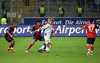 Artur Wichniarek (Bielefeld) gegen Chris (Eintracht)<br /> Eintracht Frankfurt vs. Arminia Bielefeld, Commerzbank Arena<br /> *** Local Caption *** Foto ist honorarpflichtig! zzgl. gesetzl. MwSt. Auf Anfrage in hoeherer Qualitaet/Aufloesung. Belegexemplar an: Marc Schueler, Am Ziegelfalltor 4, 64625 Bensheim, Tel. +49 (0) 6251 86 96 134, www.gameday-mediaservices.de. Email: marc.schueler@gameday-mediaservices.de, Bankverbindung: Volksbank Bergstrasse, Kto.: 151297, BLZ: 50960101