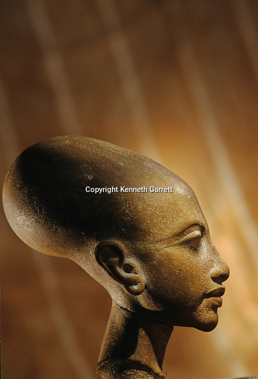 Composite stone head of a princess from Amarna, Tutankhamun and the Golden Age of the pharaohs, Page 40