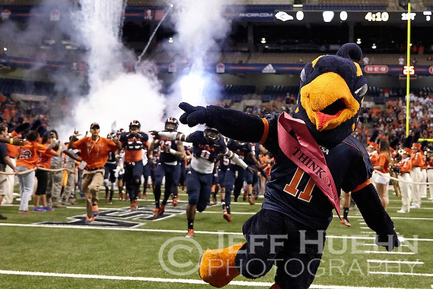 SAN ANTONIO, TX - OCTOBER 11, 2014: The University of Texas at San Antonio Roadrunners defeat the Florida International University Panthers 16-13 at the Alamodome. (Photo by Jeff Huehn)