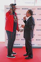 M.ANIFEST (Ghana) en photocall avec Noritake SAWAMURA, Senior General Manager / Planning and Marketing Division chez SONY, lors du MIDEM 2017 à Cannes, Palais des Festivals et des Congres, Cannes, Sud de la France, mardi 6 juin 2017. # MIDEM ARTIST ACCELARATOR FINALISTS SONY A CANNES