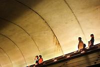 Rosslyn Station, Washington DC; 722pm, 01April2006