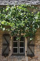 Europe/France/Midi-Pyrénées/46/Lot/Env de Sauliac-sur-Célé/Cuzals: Musée de plein air du Quercy, détail fen^tre de la ferme  du 19 éme