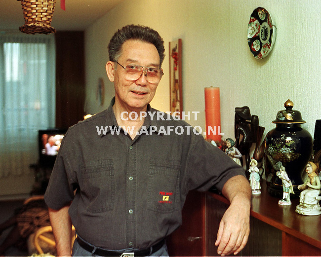 arnhem 211198 dhr. de ruiter uit indonesie. foto frans ypma.