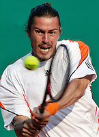 18-4-06, Monaco, Tennis,Master Series, Safin in action against Mathieu