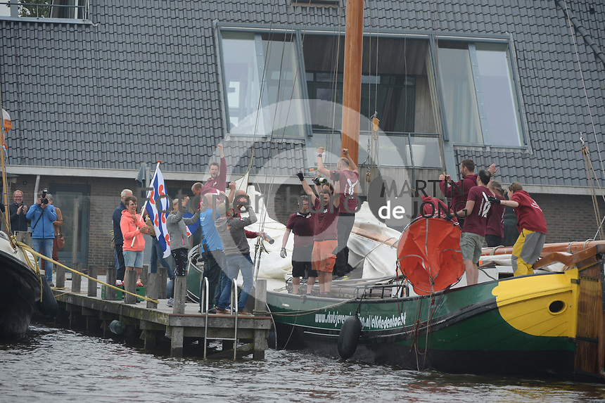 ZEILSPORT: FRYSLÂN: 05-06-2021, Elfstedentocht, IFKS Skûtsje Verwisseling, ©foto Martin de Jong