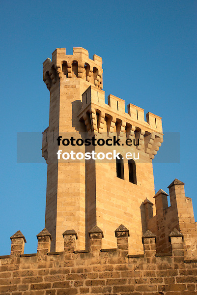 tower of the Almudaina Palace<br /> <br /> torre del Palacio de Almudaina <br /> <br /> Turm des Almudaina Palastes