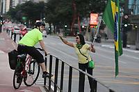06.04.2020 - Ato contra a quarentena na av Paulista em SP