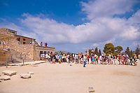 Tourists standing in line to the museum in Knossos palace