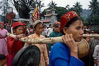 Tempelfest in Hoa Lu bei Ninh Binh, Vietnam