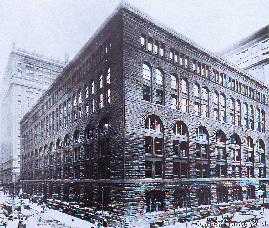 H. H. Richardson:  Marshall Field Warehouse. Chicago 1885-87.  Photo Apr. 5, 2000. Chamfer at corners and<br />