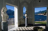 Europe/Italie/Lac de Come/Lombardie/Bellagio : Villa Melzi - Petit temple de style mauresque dans les jardins