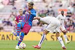FC Barcelona's Ronald Araujo (l) and Getafe CF's Jaime Mata during La Liga match. August 29, 2021. (ALTERPHOTOS/Acero)