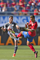 Action photo during the match Costa Rica vs Paraguay, Corresponding Group -A- America Cup Centenary 2016, at Citrus Bowl Stadium<br /> <br /> Foto de accion durante el partido Estados Unidos vs Colombia, Correspondiante al Grupo -A-  de la Copa America Centenario USA 2016 en el Estadio Citrus Bowl, en la foto: (i-d) Bruno Valdez de Paraguay y Ronald Matarrita de Costa Rica<br /> <br /> <br /> <br /> 04/06/2016/MEXSPORT/Isaac Ortiz.