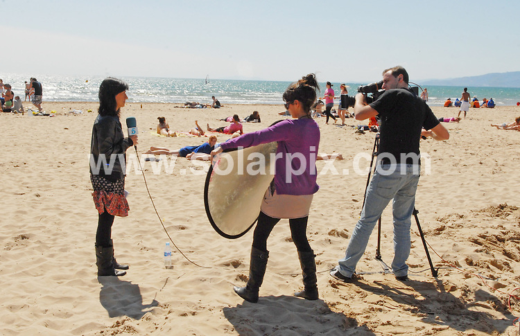 **ALL ROUND EXCLUSIVE PICTURES FROM SOLARPIX.COM**.**WORLDWIDE SYNDICATION RIGHTS**.PIctures show the warm-up to tonight's festivities at Salou fest 2010, in Salou near Barcelona, Spain, where up to 5000 British students take part in sports in the daytime, and then begin drinking on the beach to party until the early hours of the morning. Salou, Spain. 31 March 2010.This pic: Saloufest 2010 students enjoy the after noon sun and start drinking..JOB REF: 11025 NSP    DATE: 31_03_2010.**MUST CREDIT SOLARPIX.COM OR DOUBLE FEE WILL BE CHARGED**.**MUST AGREE FEE BEFORE ONLINE USAGE**.**CALL US ON: +34 952 811 768 or LOW RATE FROM UK 0844 617 7637**