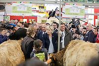 PARIS LE 28 / 02 / 2017<br /> MARINE LE PEN AU SALON DE L AGRICULTURE .