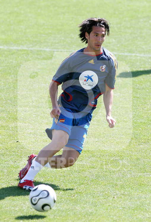 Spain's National Team player Luis Garcia during trainning session at Football City in Las Rozas, near Madrid. Thursday, May 25, 2006. (ALTERPHOTOS / ALVARO HERNANDEZ)