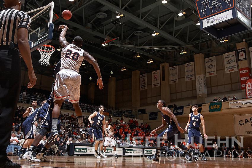SAN ANTONIO, TX - JANUARY 30, 2014: The Rice University Owls versus the University of Texas at San Antonio Roadrunners Men's Basketball at the UTSA Convocation Center. (Photo by Jeff Huehn)