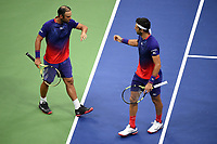 FLUSHING - USA, 06-09-2019: Juan Sebastian Cabal (COL) y Robert Farah (COL) ganaron el US OPEN 2019 en la categoría de dobles masculino hoy, septiembre 6 de 2019, en partido disputado con la pareja conformada por Marcel Granollers (ESP) y Horacio Ceballos (ARG) con un marcador final de  6-4 y 7-5. el encuentro tuvo lugar en Billie Jean King National Tennis Center de la ciudad de Flushing, NY. / Juan Sebastian Cabal (COL) and Robert Farah (COL) won the US OPEN 2019 in the men's doubles category today, September 6, 2019, in a match played with the couple formed by Marcel Granollers (ESP) and Horacio Ceballos (ARG) with a final score of 6-4 and 7-5. the match took place at Billie Jean King National Tennis Center in the city of Flushing, NY. Photo: VizzorImage / Mike Lawrence / USTA