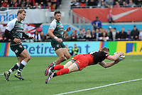 Chris Ashton of Saracens scores a late try during the Aviva Premiership semi final match between Saracens and Leicester Tigers at Allianz Park on Saturday 21st May 2016 (Photo: Rob Munro/Stewart Communications)