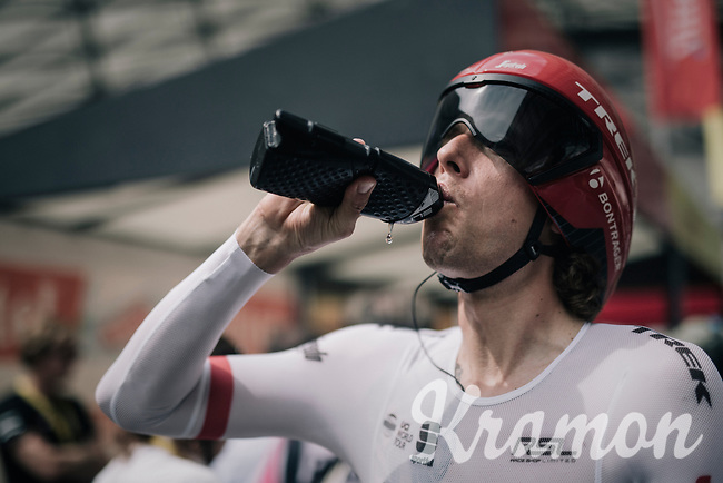 Koen de Kort (NED/Trek-Segafredo) fueling up before the race<br /> <br /> 104th Tour de France 2017<br /> Stage 20 (ITT) - Marseille › Marseille (23km)