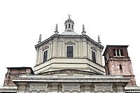 Veduta esterna della cupola ottagonale della Basilica di San Lorenzo Maggiore, a Milano. <br /> Exterior view of the octagonal dome of San Lorenzo Maggiore's Basilica, in Milan.<br /> UPDATE IMAGES PRESS/Riccardo De Luca