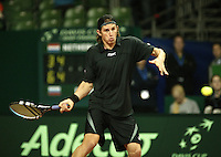 12-2-06, Netherlands, tennis, Amsterdam, Daviscup.Netherlands Russia,  Igor Andreev in action against Jesse Huta Galung