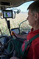CROATIA, Osijek, agricultural company Fermopromet, maize harvest, AMS Precision farming / KROATIEN, Osijek, Maisernte bei Fermopromet, AMS Präzisions Farming