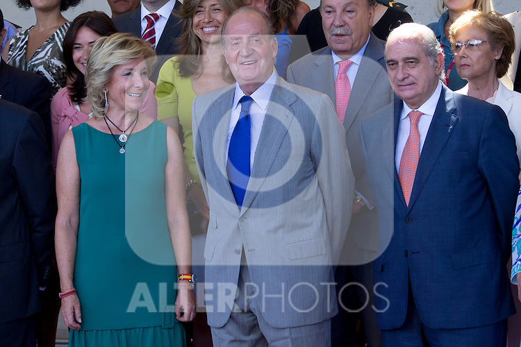 23.08.2012. King Juan Carlos of Spain visits the 112 Emergency Center of the Community of Madrid in Pozuelo de Alarcon, in the company of the president of the Community of Madrid Esperanza Aguirre and Interior Minister Jorge Fernandez Diaz. In the image (L-R) Esperanza Aguirre, King Juan Carlos of Spain and Jorge Fernandez Diaz(Alterphotos/Marta Gonzalez)