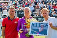 Den Bosch, Netherlands, 07 June, 2016, Tennis, Ricoh Open, Kiki Bertens (NED) is honoured on centercourt for her achievement at Roland Garros, left Jan Siemerink director sportif KNLTB and right KNLTB director Erik Poel<br /> Photo: Henk Koster/tennisimages.com