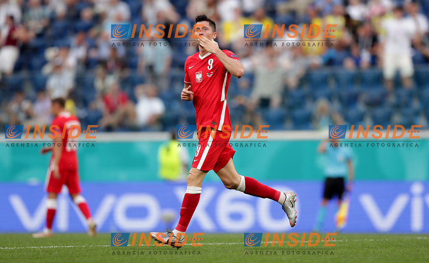SAINT PETERSBURG, RUSSIA - JUNE 23: Robert Lewandowski of Poland celebrates after scoring their side's first goal during the UEFA Euro 2020 Championship Group E match between Sweden and Poland at Saint Petersburg Stadium on June 23, 2021 in Saint Petersburg, Russia. (Photo by Gonzalo Arroyo - UEFA/UEFA via Getty Images)<br /> Photo Uefa/Insidefoto ITA ONLY