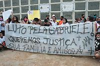 02/09/2020 - JOVEM COM MORTE SUSPEITA É ENTERRADA NO RIO DE JANEIRO