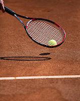 15-08-12, Netherlands, Amstelveen, Tennis, NTK,  Tennisracker and bal on claycourt