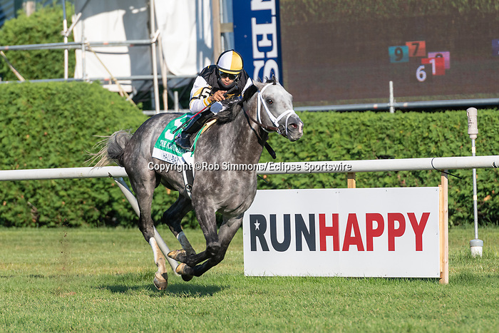 """August 22,, 2020: Halladay #5, ridden by Luis Saez and trained by Todd Pletcher win the Fourstardave (G1), a Breeder's Cup World Championships """"Win and You're In Race"""" at Saratoga Race Course in Saratoga Springs, N.Y. Rob Simmons/Eclipse Sportswire/CSM"""
