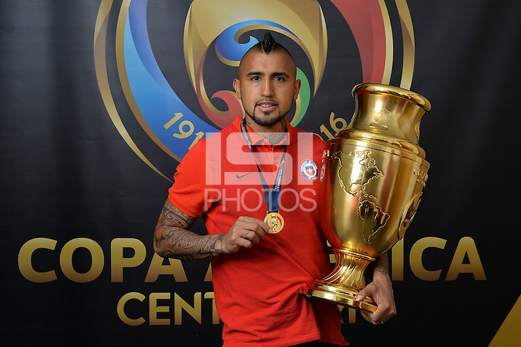 East Rutherford, NJ - Sunday June 26, 2016: Arturo Vidal, Copa America trophy after a Copa America Centenario finals match between Argentina (ARG) and Chile (CHI) at MetLife Stadium.