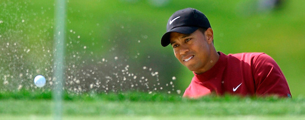 Buick.4.0216.jl.photo lytle.Tiger Woods out of the sand at 13.