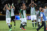 MEDELLIN - COLOMBIA-14-07-2013: Los jugadores del Atletico Nacional durante partido en el estadio Atanasio Girardot de la ciudad de Medellin, julio 14 de 2013. Atletico Nacional y Indepndiente Santa Fe durante partido de ida por la final de la Liga Postobon I. (Foto: VizzorImage / Luis Rios / Str).  The players from Atletico Nacional, during game in the Atanasio Girardot stadium in Medellin City, July 14, 2013. Atletico Nacional and Independiente Santa Fe, during match for the first round of finals of the Postobon League I. (Photo: VizzorImage / Luis Rios / Str).