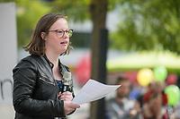 """Kundgebung unter dem Motto """"Inklusion statt Selektion"""" am Sonntag den 15. September 2019 in Berlin gegen die Aufnahme nichtinvasiver Bluttests zur Diagnose von Trisomien wie etwa dem Down-Syndrom in den Leistungskatalog der gesetzlichen Krankenkassen.<br /> Im Bild: Die Downsyndrom-Aktivistin Natalie Dedreux aus Koeln.<br /> 15.9.2019, Berlin<br /> Copyright: Christian-Ditsch.de<br /> [Inhaltsveraendernde Manipulation des Fotos nur nach ausdruecklicher Genehmigung des Fotografen. Vereinbarungen ueber Abtretung von Persoenlichkeitsrechten/Model Release der abgebildeten Person/Personen liegen nicht vor. NO MODEL RELEASE! Nur fuer Redaktionelle Zwecke. Don't publish without copyright Christian-Ditsch.de, Veroeffentlichung nur mit Fotografennennung, sowie gegen Honorar, MwSt. und Beleg. Konto: I N G - D i B a, IBAN DE58500105175400192269, BIC INGDDEFFXXX, Kontakt: post@christian-ditsch.de<br /> Bei der Bearbeitung der Dateiinformationen darf die Urheberkennzeichnung in den EXIF- und  IPTC-Daten nicht entfernt werden, diese sind in digitalen Medien nach §95c UrhG rechtlich geschuetzt. Der Urhebervermerk wird gemaess §13 UrhG verlangt.]"""